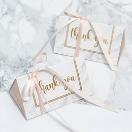 Wholesale Boxes Australia - Free shipping WhiteΠnk Wedding candy box gift box creative sugar sugar bag 2 wedding classic gift bag Ferrero Rocher boxed gold particle