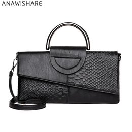 $enCountryForm.capitalKeyWord NZ - Anawishare Women Day Clutches Alligator Leather Handbag Crossbody Bag For Women Messenger Bags Shoulder Bags Evening Party Bags Y19051802