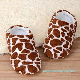 cute winter shoes for girls Canada - Winter Slippers For Women Home Plus Size Flock Indoor Women Slippers Cute Animal Deer Pattern Printed Shoes Female Girl shoes s02
