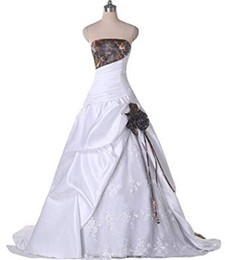 $enCountryForm.capitalKeyWord Australia - Camo Wedding Dresses Cheap Long Strapless White Satin Lace Pleated Ruched Lace up Back New Wedding bridal Gowns Vestidos De Novia