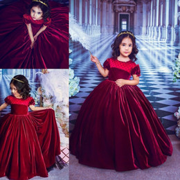 red colour wedding dress 2019 - Gorgeous Grape Velvet Flower Girls Dresses With Short Puffy Sleeve Ball Gown Wedding Party Dresses Colour Birthday Kids