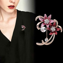 EnamEl flowEr broochEs online shopping - Enamel Rhinestone Crystal Flowers Brooch Gold Tone Plated Drip Oil Metal Floral Brooches Scarf Clip Pins Craft mm