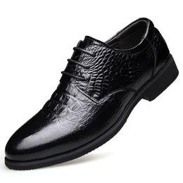 $enCountryForm.capitalKeyWord Australia - Genuine Leather formal Dress Shoes Men Crocodile Pattern Leisrue Business Shoes New Luxury Black Brown Pointed Toe Elegant Man GFH-HA