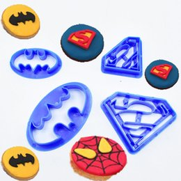 Sugar Cookies Cutter Australia - 4Pcs set Super Hero Batman And Superman Fondant Cake Decorating Sugar Cookie Biscuit Cutter Pastry Bakeware Decoration Tools