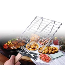 bbq fish tool UK - Summer Outdoor Barbecue Tools Grilled Fish Meat Clip Roast Meat Hamburger Net Environment Barbecue Accessories with Wood Crank BBQ meshes