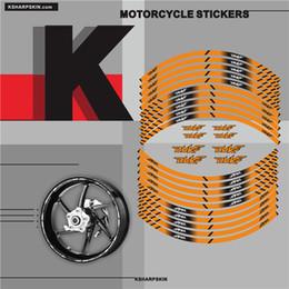 Yeni satış Motosiklet İç tekerlek Çıkartmalar jant yansıtıcı dekorasyon çıkartmaları KTM DUKE 790 390 200 125 Için moto araba aksesuarları ...
