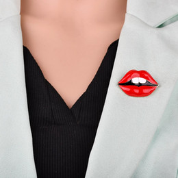 $enCountryForm.capitalKeyWord UK - 2019 Sexy Red Lip Mouth Brooches for Women Korean Style Cute Dress Scarf Brooch Pins Jewelry Accessories Bijoux b531