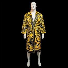 Опт LE JARDIN Шелк халаты Роскошного Барокко жаккард ночной рубашка Barocco Medusa Print Designer Signage Ванна Одеяние Главная Hotel Royal Коллекция