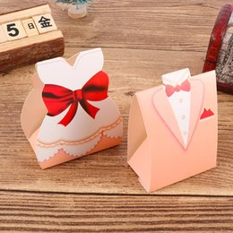 Wedding Groom Gifts Australia - Groom Bride Dresses Shape Gift Wrap Wedding Candy Box European Style Paper Small Paper Candy Box Favor Gift
