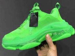 $enCountryForm.capitalKeyWord Australia - Triple-S Leisure Shoes Dad Shoes Crystal Bottom Platform Triple S Sneakers for Men Women Vintage Kanye Old Grandpa Trainer