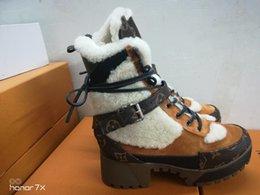 Großhandel 2019 Winter neue luxurys Leder Designer Frauen 1A5LPL Laureate Platform Desert Boots Mode Gedruckte Buchstaben Damen Stiefeletten Große Größe