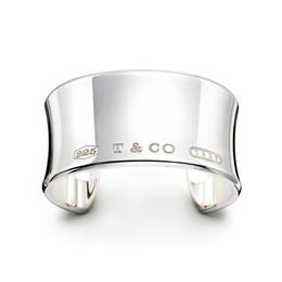 $enCountryForm.capitalKeyWord Australia - High Quality Celebrity design 925 Silverware Silver Chain bracelet Women Letter Clover Wide bracelets Jewelry With dust bag Box4863#