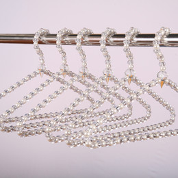 Plastic Coating Metal Hangers Australia - Acrylic Pearl Hanger Rust-proof Crystal Beads Clothes Display Rack Windproof Clothes Hanging Anti-skid Clothing Support Hangers DBC VT1683