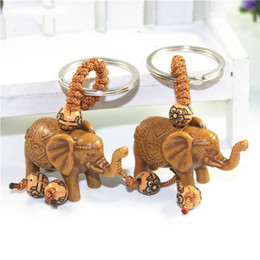 $enCountryForm.capitalKeyWord NZ - Lucky Men Women's Elephant Carving Wooden Pendant Keychain Key Ring for Women Llaveros Mujer Charms Car Bag Accessories Keychain