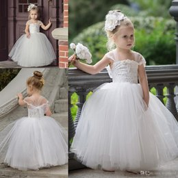 $enCountryForm.capitalKeyWord Australia - New Cute Tutu Flower Girls Dresses For Weddings Newest Strapless Portrait Lace Tulle Floor Length Ball Gown Pageant Dresses Bridesmaid Gown