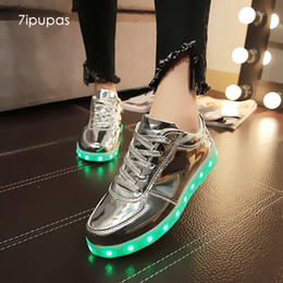 $enCountryForm.capitalKeyWord NZ - 7ipupas Shining Luminous Led Shoe Boy Girl With Light Sole Kid Light Up Sneakers Led Unisex Usb Charging Silver Glowing Sneakers Y19051303