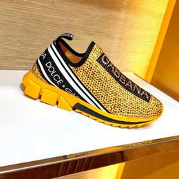 Nova chegada de moda sapatos de homens de luxo de tênis Baixo ajudar a esticar-malha sapatos meias senhoras Carta strass respirável sapatos casuais de alta qualidade em Promoção
