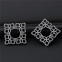 cheap accessories charms NZ - Cheap Charms 40pcs Silver Color Little Mini Square Wreath Charms Nature Flower Pendant For Women Finding Jewelry Accessories 16mm A3052