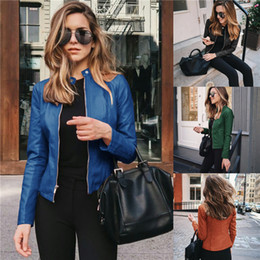 Womens PU Leather Giacchees Fshion Primavera Autunno Donna Stand Collar Zipper Solid Cappotti corti Donne Pulsante Pulsante Breve Vestito Faux Leather in Offerta
