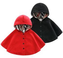 Venta al por menor de primavera y otoño ropa para niños recién nacidos de lana rompevientos capa niños y niñas bebé engrosada capa térmica bebé fuera usar capa en venta