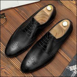 $enCountryForm.capitalKeyWord Australia - New Italian Pointed Toe Laces Man Formal Dress Shoes Full Grain Leather Men's Handmade Office Wingtip Brogue Footwear