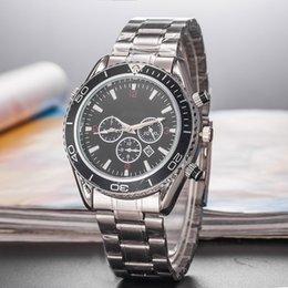 Womens Waterproof Luxury Watches Australia - Wholesale New Men And Women Lovers Watch Cool Waterproof Quartz Womens Wristwatch Fashion
