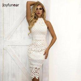 c254429fb1 Joyfunear Verão Vestido Branco Mulheres Oco Out Sem Mangas Sexy Bodycon  Vestido Elegante Skinny Padrão Floral Vestidos de Renda Vestido Q190416