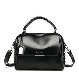 Wax Oiled Handbags Australia - High Quality Oil Wax Boston Handbag 2019 New Fashion Simple Wild Casual Personality Temperament Shoulder Messenger Bag