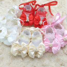 569c9dbd3fcf3 Newborn Baby Warm Cotton Lace shoes Handmade Soft Soled Lace up Christening  Girls Princess Pearl Bowknot Shoes