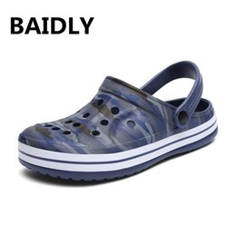 summer gardening shoes Australia - Brand Summer Casual Sandals New Man Aqua Clog Slipper Hot Male Ocean Beach Garden Sandals Shoes Sandalias Swimming Shoes