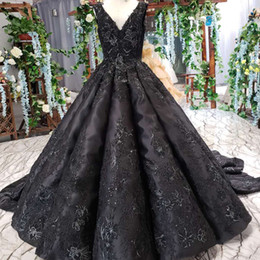 $enCountryForm.capitalKeyWord Australia - 2019 Latest Elegant Evening Dresses Sleeveless V Neck Backless Lace Up Back Crystal Lace Applique Pattern Pearl Classic Prom Gowns Garden