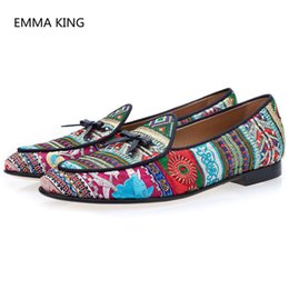 casual winter wedding dresses 2019 - Handmade Luxury Men Embroidered Casual Shoes Patchwork Round Toe Party Wedding Loafers Slip On Bow-Knot Men Creepers Dre
