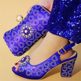 $enCountryForm.capitalKeyWord Australia - New Royal Blue Women Shoes and Bag Set Decorated with Rhinestone Italian Shoes with Bags African Women Wedding Shoes and Bag Set