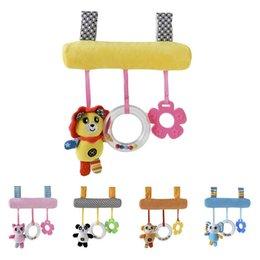 Wholesale New Cartoon Animal Baby Squeaky Crib Rattle Bed Stroller Hang Bell Appease Toys Fashion New Soft Baby Rattles