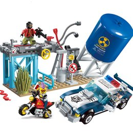 $enCountryForm.capitalKeyWord Australia - 296pc Children's educational building blocks toy Compatible Legoingly city Police series police bandit ambush war figures Bricks SH190910