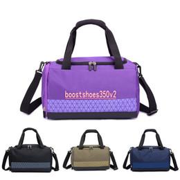 Discount fashion duffle bags women - Brand New Designer Duffle Bag Fashion Men Women Designer Bags Black White Large Capacity Travel Bag Gym Bags