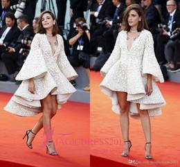 2021 Eleonora Carisi Breve Prom Abiti da sera 73rd Venice Film Festival 2019 A-line Abiti da celebrità a maniche lunghe con scollo a V in Offerta