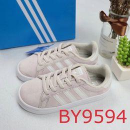 $enCountryForm.capitalKeyWord Australia - Designer Child Shoes 2019 Brand Fashion Striped Shell Casual Sports Shoes Boys Girls Luxury Sports Shoes 6 Styles Teens Girls Boys Hot Sale