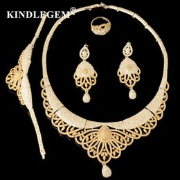 jewelry dubai Canada - Luxury High Fashion Dubai Gold Silver Color Crown Jewelry Set Nigerian Wedding African Beads Jewelry Parure Bijoux Femme