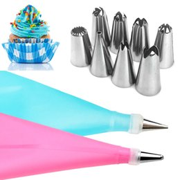 $enCountryForm.capitalKeyWord Australia - TTLIFE 10pcs set Dessert Decorators Silicone Icing Piping Cream Pastry Bag+8 Stainless Steel Nozzle Set DIY Cake Decorating Tips