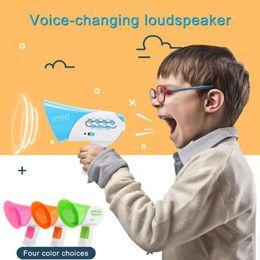 Ingrosso Mini di vendita caldo Horn Funny Kids altoparlante giocattolo 7 Voci di plastica Voice Changer Voice cambia Giocattoli formazione gioca per i bambini