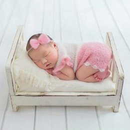 Photos babies online shopping - Baby Wooden Bed Gift Photo Prop Posing Portable Durable Photography Shotting New Arrival