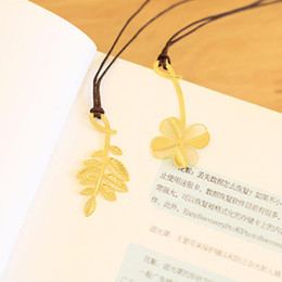 Wholesale Plant Metal Bookmark Creative Cute Clover Leaf Hollow Bookmark Office School Supplies Student Stationery Students Children Gifts BC BH1434