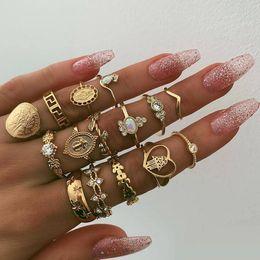 Fatima Ring NZ - 15pcs set Retro Beauty Head Gold Coin Cross Patterns Love Fatima Hand Ring Set free shipping