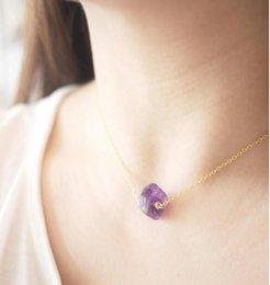 Cadeia de aço inoxidável ouro 14k Raw Crystal Quartz Gemstone Tiny Crystal Cura Stone Necklace