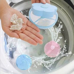 Venta al por mayor de Cazador de pelaje para mascotas flotante, herramienta reutilizable para la eliminación del vello Pelusa flotante Bolsa de malla para el cabello Bolsa para lavadora