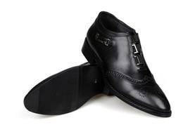 $enCountryForm.capitalKeyWord Australia - Italian black Fashion Elegant Striped Pointed Patent Leather Shoes For Men Dress Shoes Designer Business Wedding Formal Shoe W366