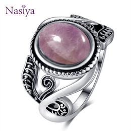 $enCountryForm.capitalKeyWord Australia - Old Style Vintage Finger Rings For Women 925 Silver Jewelry 8x10mm Oval Light Purple Created Amethyst Rings Wholesale Party Gift