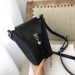 $enCountryForm.capitalKeyWord Australia - Crossbody Bags For Women Bucket Messenger Bag Ladies Small Fashion Tassel Solid Flap Casual 2019 Handbag Sac Girl Shoulder Bag