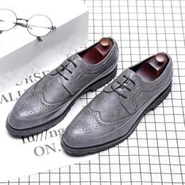 Korean wedding shoes online shopping - Men s business dress shoes fashion Korean casual shoes men s black British round head tie banquet professional men s shoes